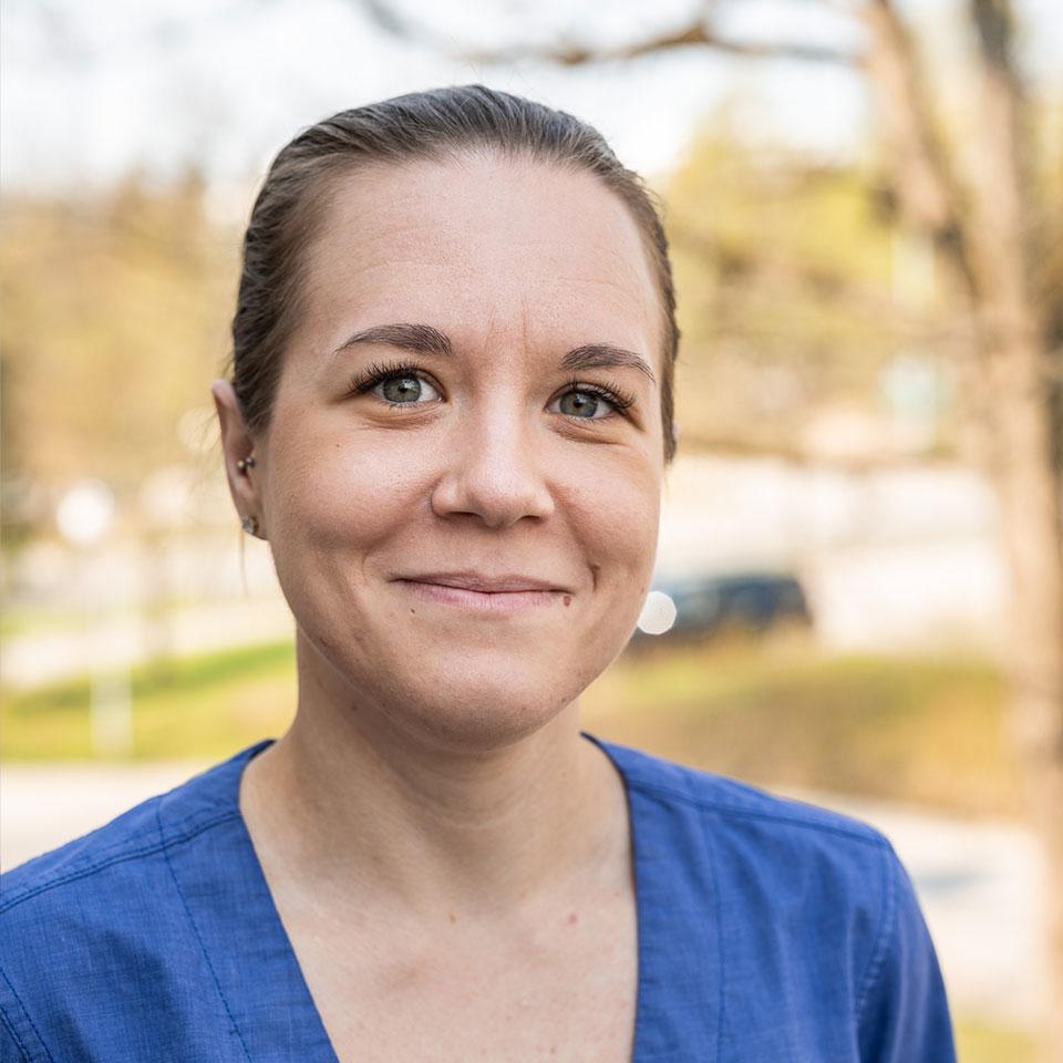 Klinikkahoitaja Milla Hannula